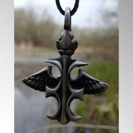 Okřídlený kříž, amulet
